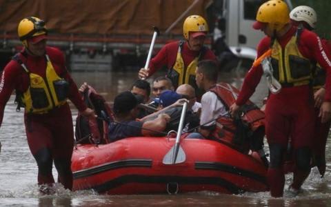 Por que a cidade de São Paulo não consegue evitar as enchentes frequentes?
