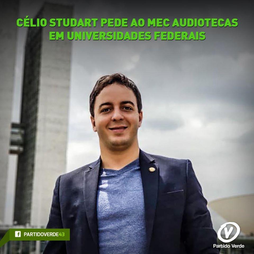 Célio Studart pede ao MEC audiotecas em universidades federais